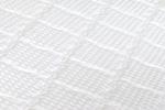SILK TOUCH – prošitý s viscoelastickou – línou pěnou a PES vláknem – gramáž 300 g/m2. Tato exkluzivní látka byla vyrobena s využitím nanotechnologií. Díky nanovláknům získal Silk Touch jemnost hedvábí. Struktura látky v sobě spojuje výjimečnou lehkost a p